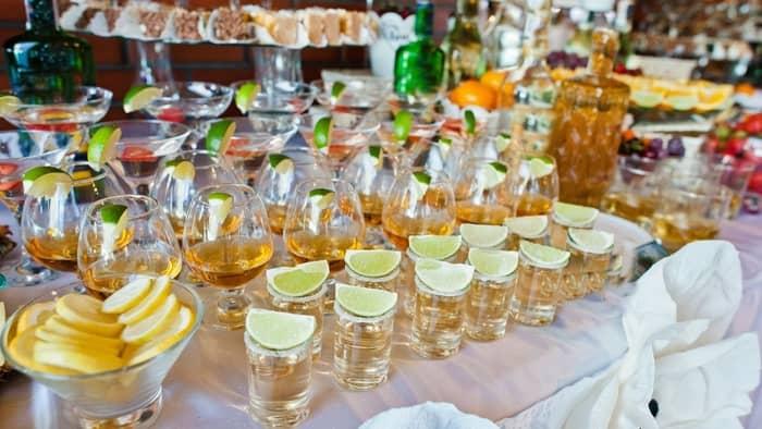 diy wedding bar