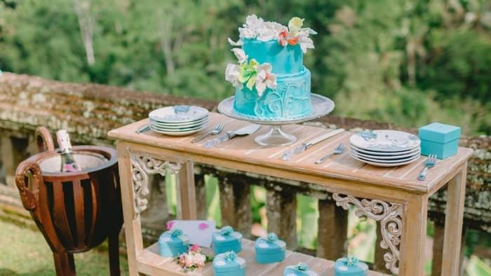 tiffany blue and gold wedding
