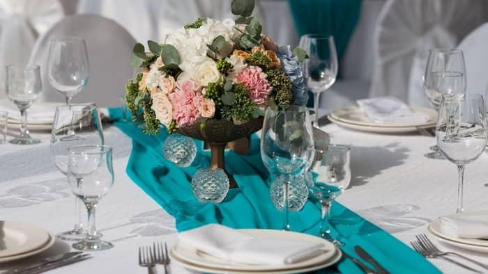 tiffany blue wedding centerpiece
